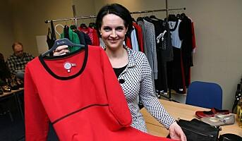 - Alle damer må ha en rød kjole i skapet!
