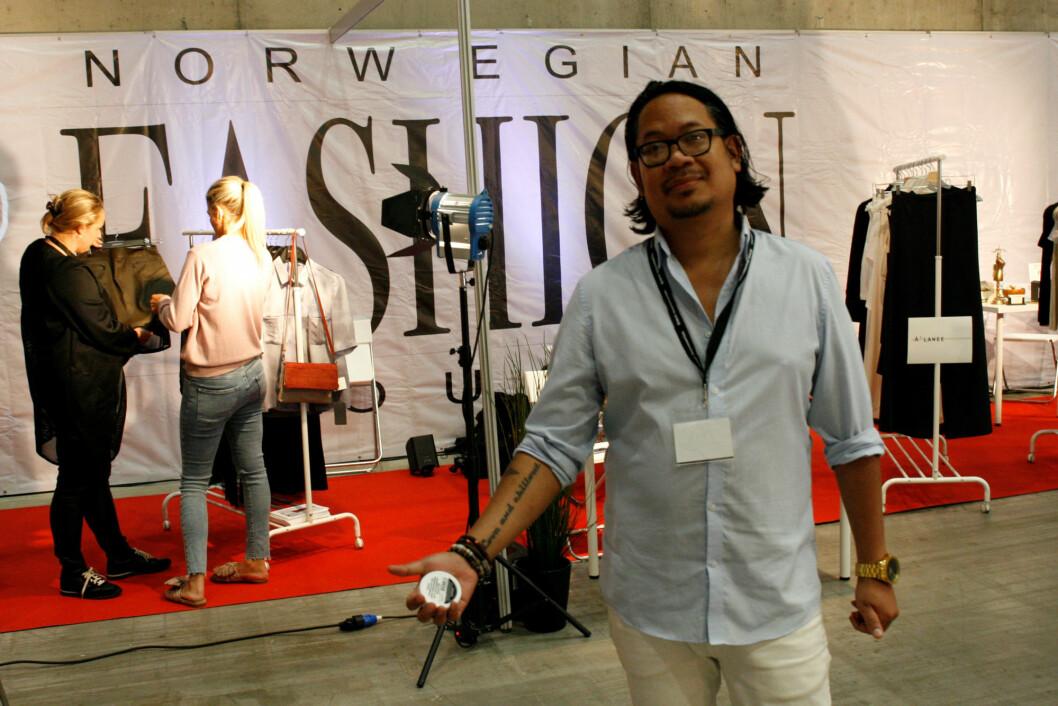 Markus Morkola foran standen til Norwegian Fashion House