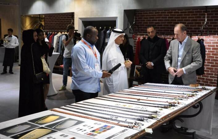 I Dubai treffer han viktige, ressurssterke kunder