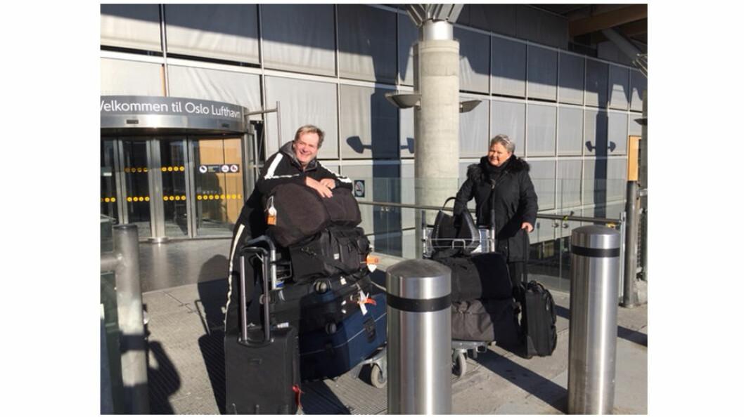 Tomm og Tina Fjellberg fullastet med klær og utstyr før avreise til Sør-Afrika