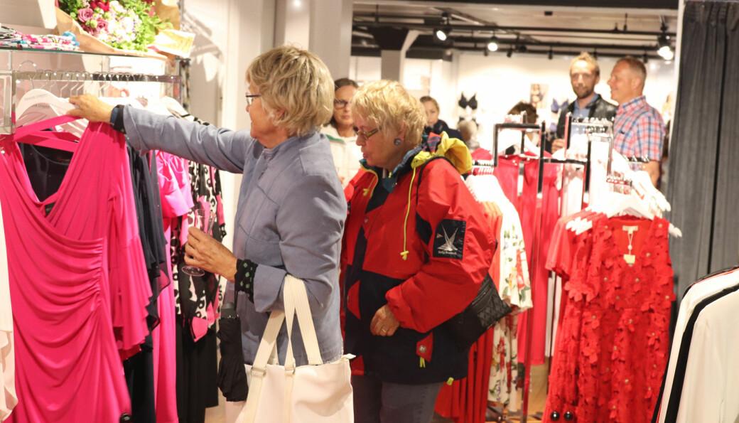 Sommerhandelen er viktig for mange butikker i de typiske feriekommunene.