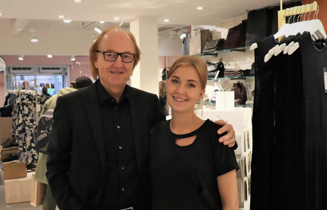 Arne Sandaker og datteren Henriette Sandaker Mellegård ønsker velkommen til en ny og spennende butikk i Moss
