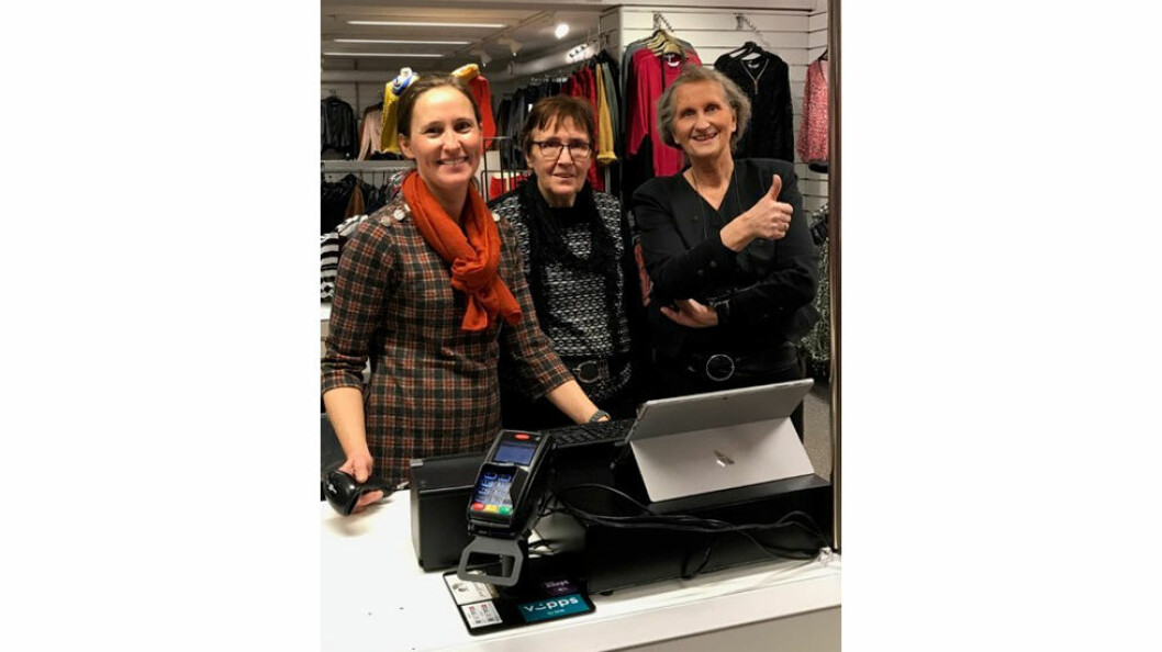 Damene hos Ludv. Håkonsen er storfornøyd med Front Systems kassesystem. Fra venstre: Sølvi Arntzen, Birgit Skår og Harrieth Håkonsen