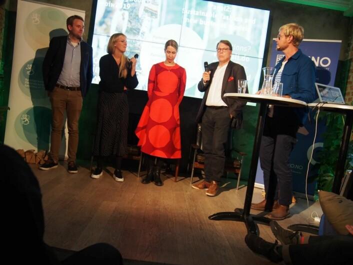 Fra panel-debatten. Fra venstre Patrick Skou/Tuckify, Elisabeth Stray Pedersen/ESP Oslo, Saara Azbel/Marimekko, Jari Laine/Ioncell og<br />Gisle Mariani Mardal/Norwegian Fashion Hub.