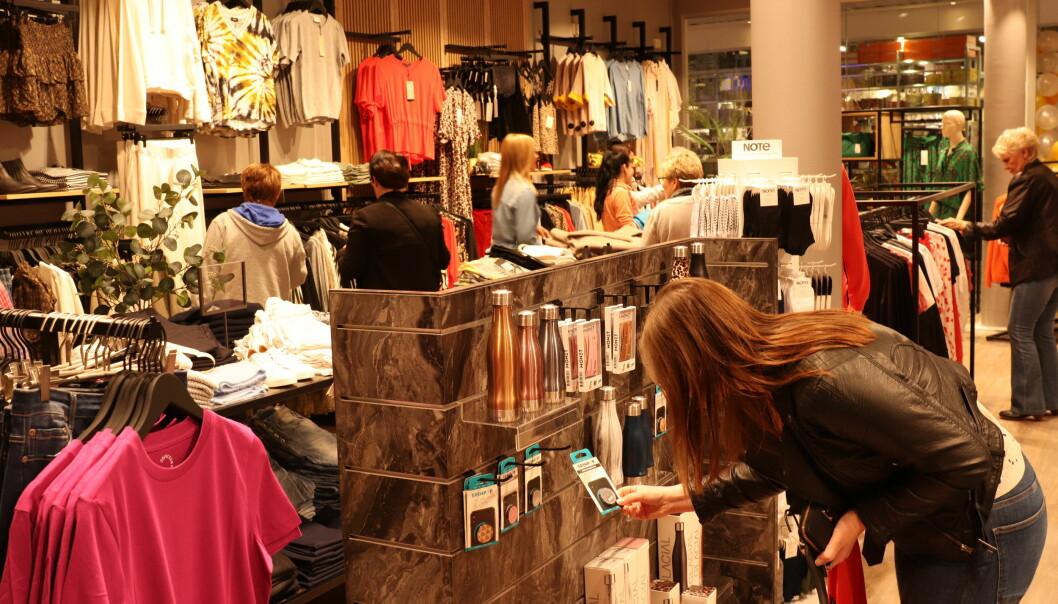 Salget av klær i fysiske butikker er hardt rammet