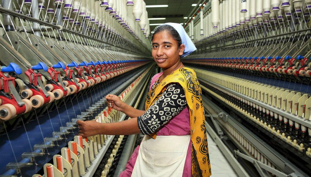 H&M opplyser på hm.com blant annet hvilken fabrikk plaggene er produsert på og hvor mange ansatte det er på fabrikken. Ill. foto fra fabrikk i Bangladesh.