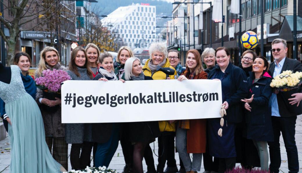 Hlene Løbach (nummer tre fra høyre) er en ivrig forkjemper for nisjebutikker og byliv i Lillestrøm