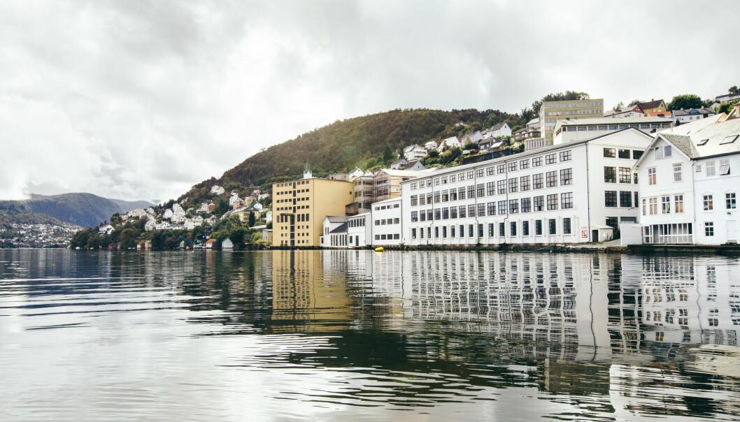 Med den fantastiske utsikten over Sørfjorden er Oleanas fabrikk det perfekte stedet å løfte frem norsk mote på.