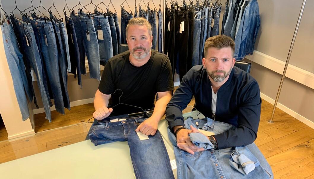 Alf Magne Bøe (t.v.) og Frode Mathiesen selger Pulz på Sør- og Vestlandet