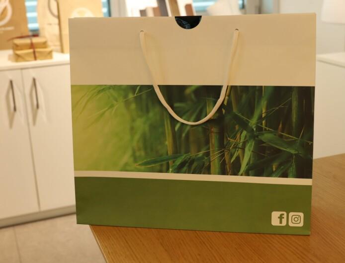 Bærepose laget av resirkulerte fibre.
