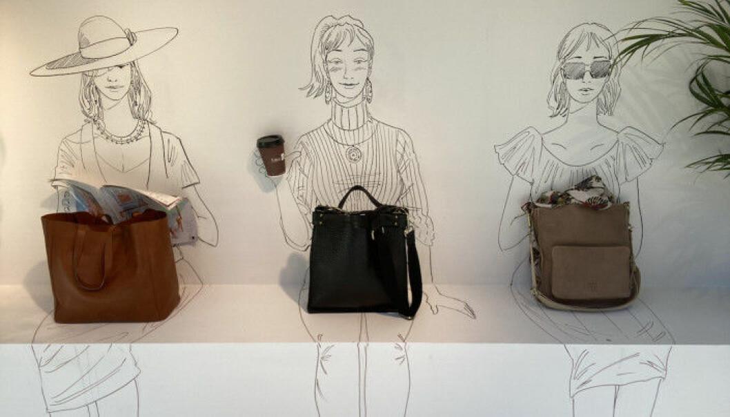 Illustratøren Fedor Sapegin som har tegnet tre damer. MooSS