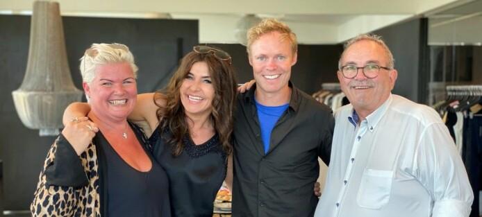 Lise og Roar Selbæk sammen med grunnlegger Janni Lymann og administrerende direktør i Nü, Rene T. Jensen