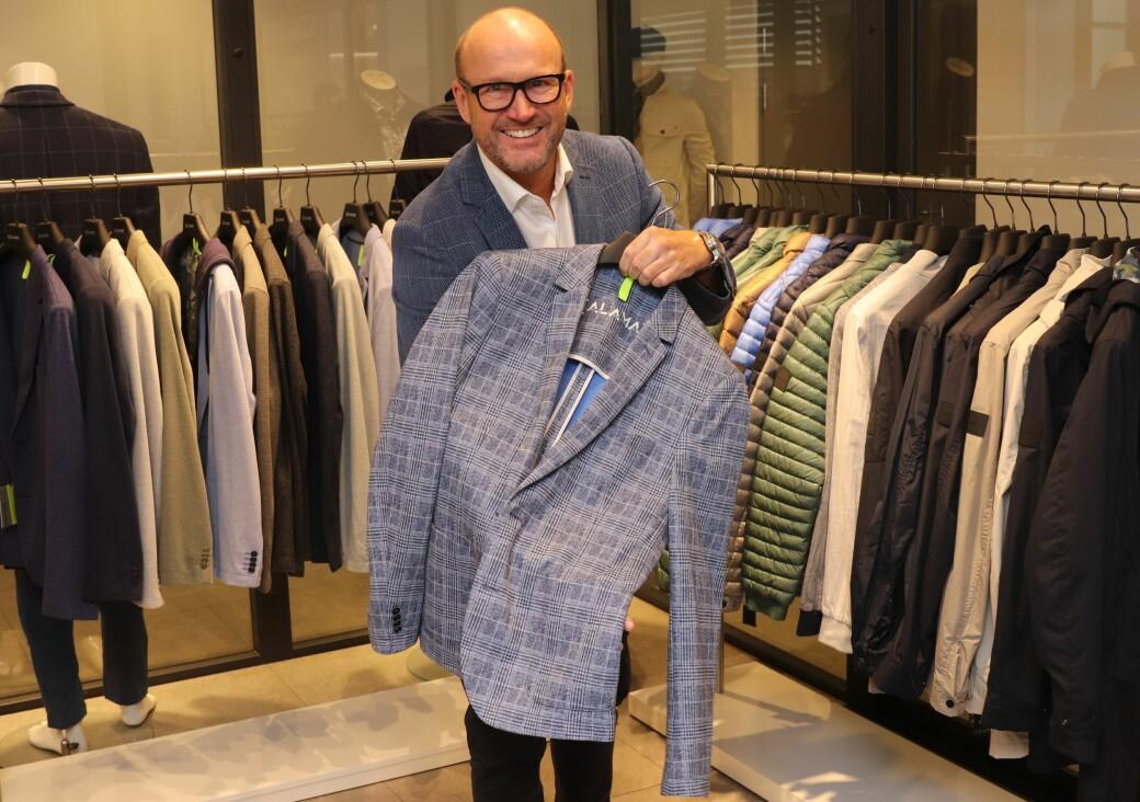 Morten Kvale er godt fornøyd med sitt nye showrom og sin nye merkeportefølje.